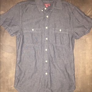 Men's Arizona Jeans black and gray button shirt.